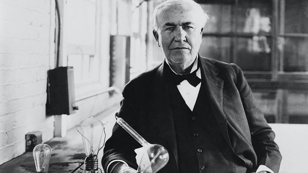 توماس ادیسون - ادیسون - برق - کاشف جریان الکتریسیته - قوانین بزرگان دنیا - بزرگان جهان