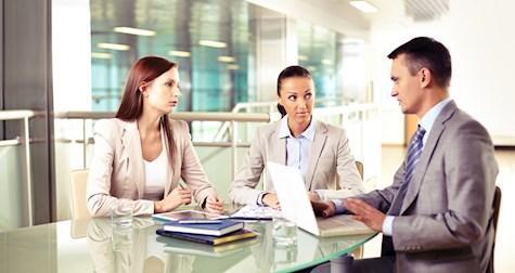 نحوهی سؤال کردن مدیران باهوش و کارآمد در محل کار