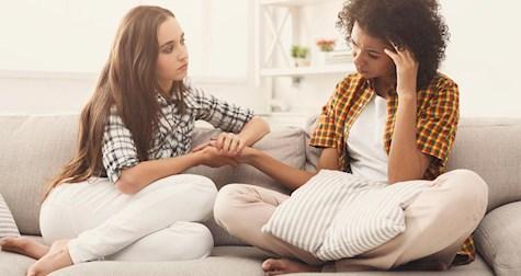 چگونه به دوست ناراحت و دلشکستهی خود کمک کنیم؟