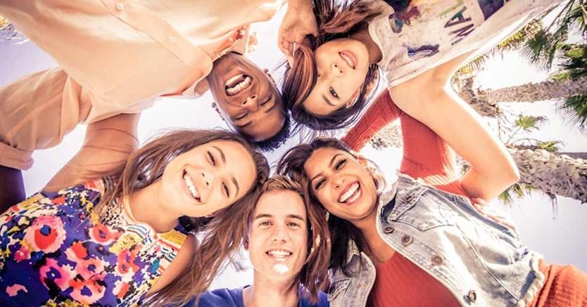 مثبت اندیشی - میخواهید زندگی شادتر و رضایتبخش تری داشته باشید؟ منابع شادی خود را گسترش دهید