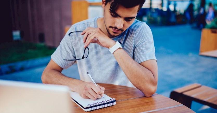 انگیزشی - 5 دلیل قانعکننده برای اینکه اهداف خود را بنویسید