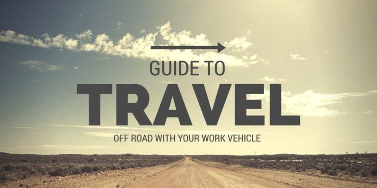 """برای مثال به تصویر زیر نگاه کنید، این تصویر با بزرگ کردن کلمه ی """"سفر"""" (Travel) ذهن خواننده را به سمت این کلمه می کشاند و سپس پیام های بعدی خود را بیان می کند."""
