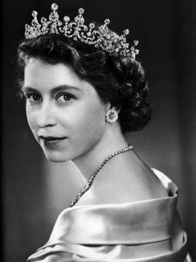 ملکه الیزابت دوم - ملکه کنونی انگلستان