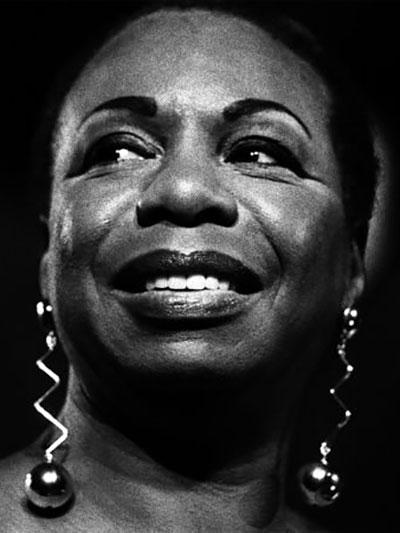 نینا سیمونه - خواننده جاز