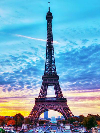 ساخت برج ایفل در پاریس
