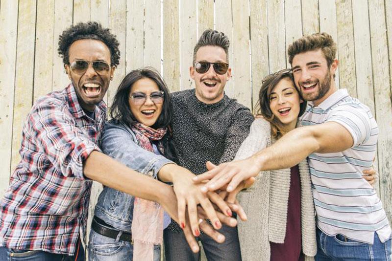 چطور میتوانیم با افراد بیشتری دوست شویم؟