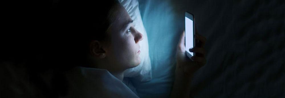عوامل شایع مشکلات خواب و چگونه آن ها را از بین ببریم