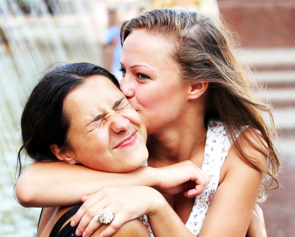 چطور از دوستی معمولی بگذریم و به طرف مقابل مان ابراز علاقه کنیم؟