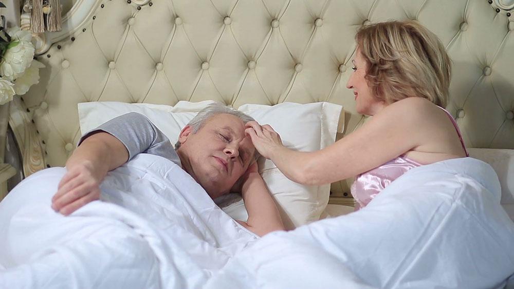 ۱۰۰ روش برای اینکه به همسر خود نشان دهید او را دوست دارید