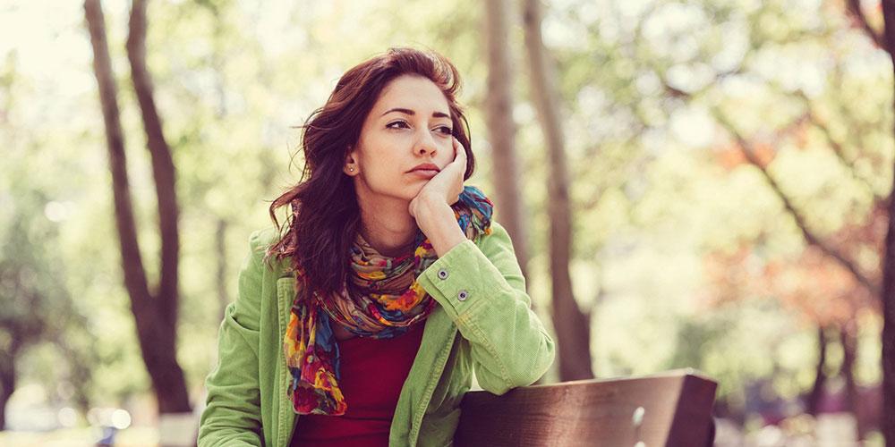 اگر این 5 کار را انجام میدهید، احساسات خود را بیش از حد سرکوب میکنید
