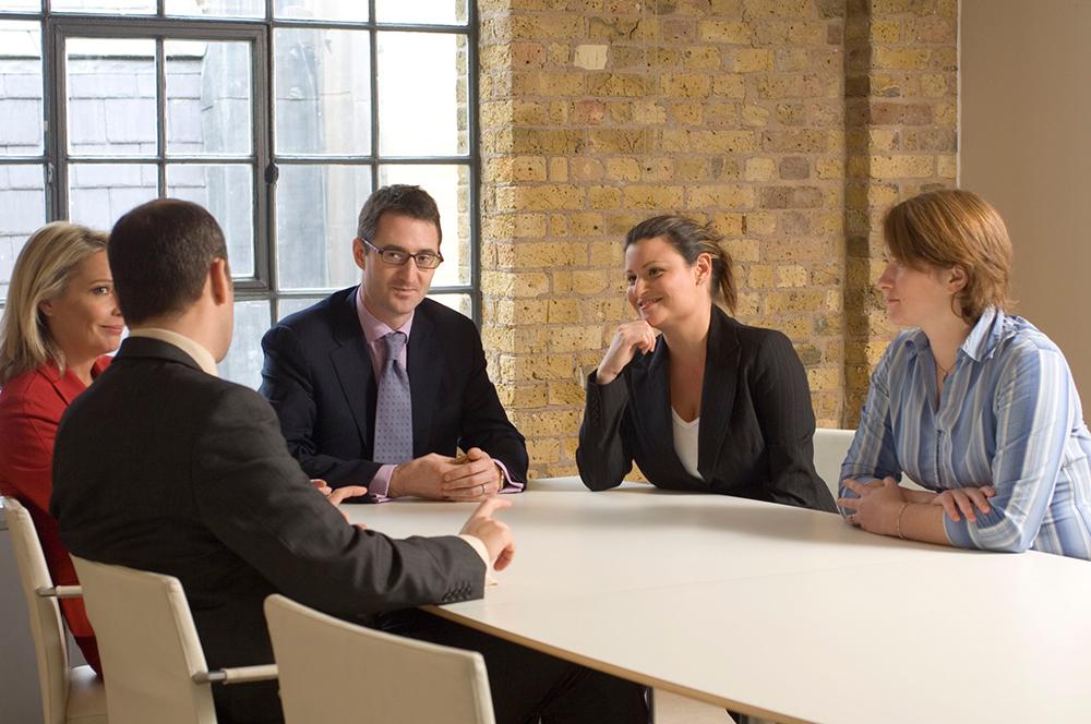 چگونه میتوان به رهبری واقعی در محل کار تبدیل شد؟