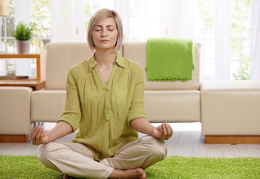 مراقبه - دوست داشتن خود - راحتی - آرامش