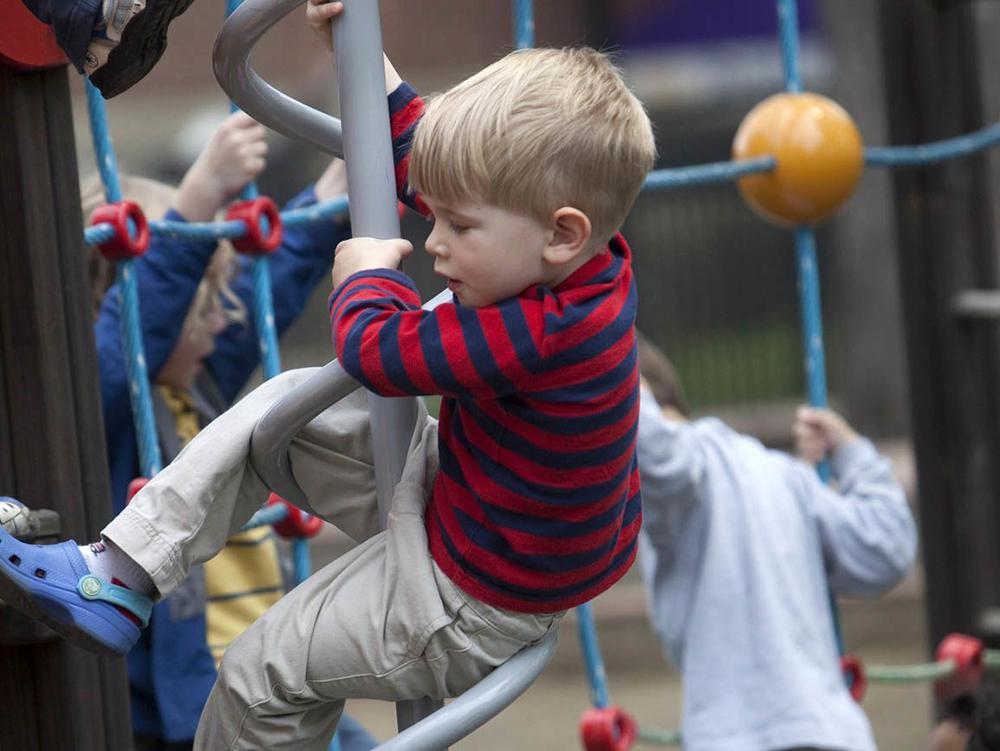 مهارتهای کودکی فرزند - مهد کودک