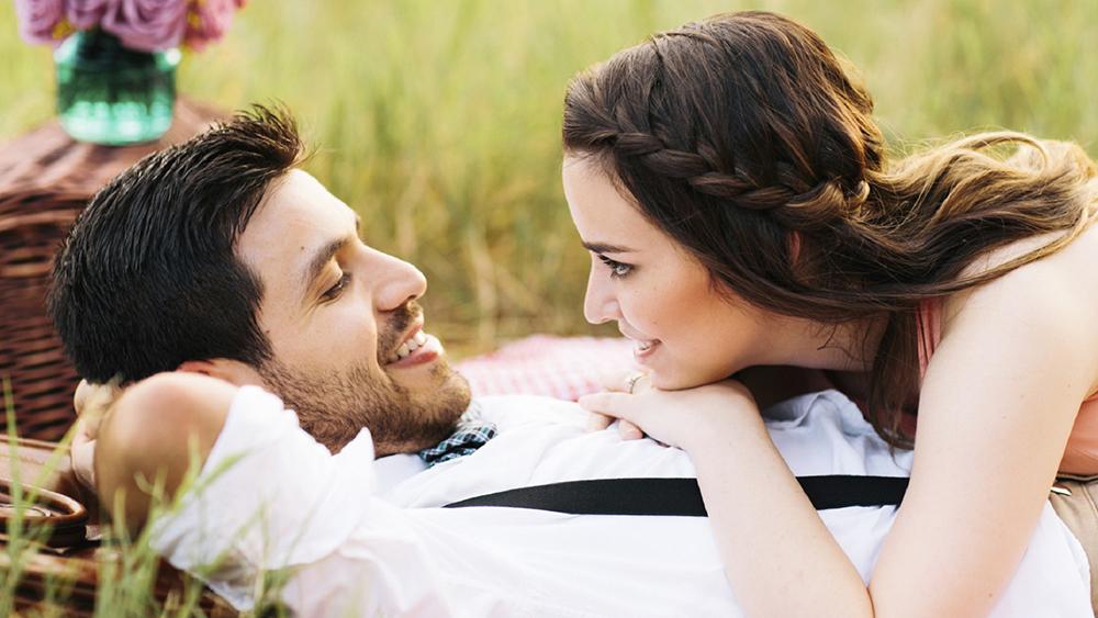 عشق واقعی - رابطه عاطفی