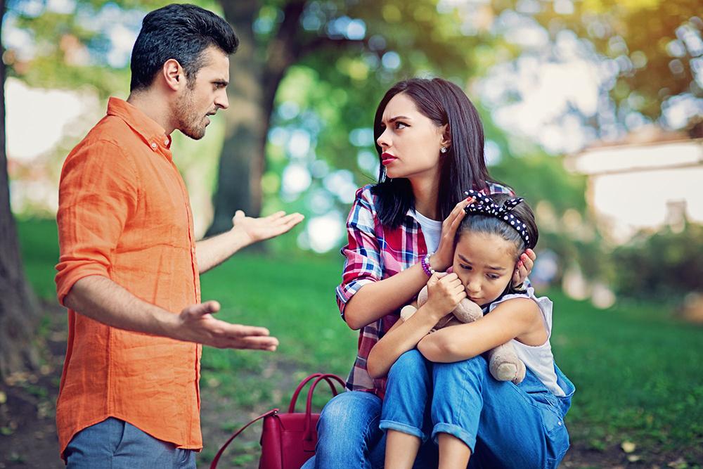 رفتار نادرست والدین پس از طلاق - تأثیر طلاق بر کودکان