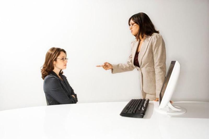 نارضایتی کارمندان - تعاملات شخصی محدود