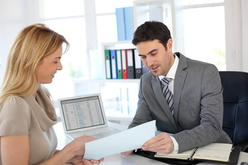 کمک به کارمندان - موفقیت و شادی در محیط کار