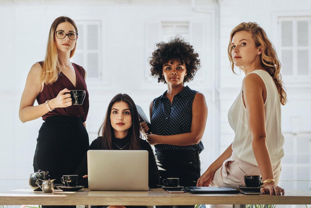 شفافیت - پاسخگویی - رهبران زن - بانوان موفق - ویژگی زنان رهبر