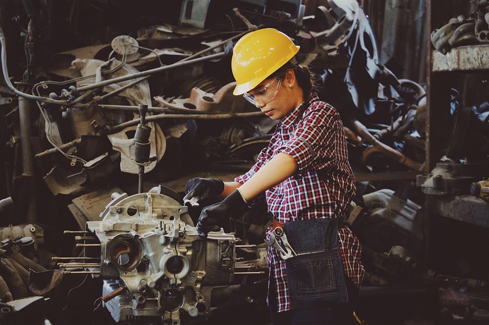 کار سخت - کارگر - سخت کارکردن - مثبتاندیشی - منفیبافی
