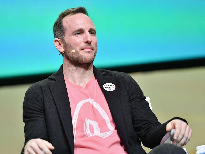جو جیبا - بنیانگذار Airbnb - Airbnb - توصیه مدیران موفق به جوانان - نصیحت رهبران بزرگ