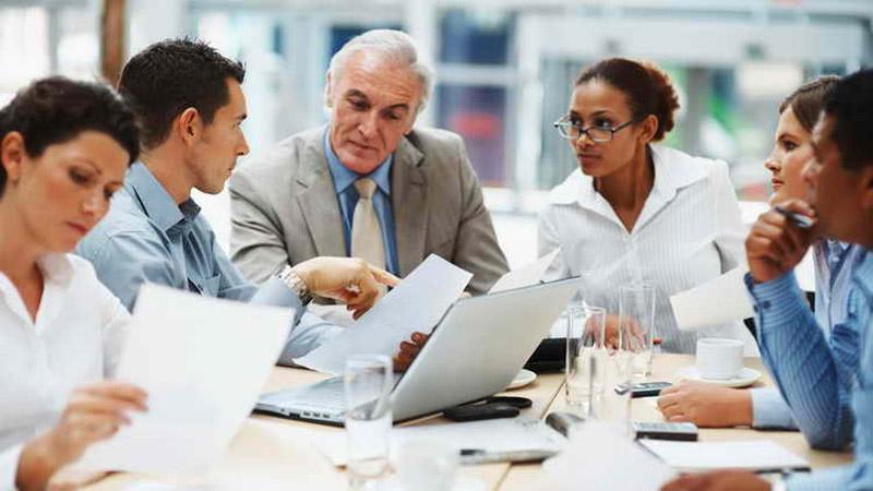مسیرموفقیت - کارمند - رهبران بزرگ - مهارت های ارتباطی - جلسه کاری