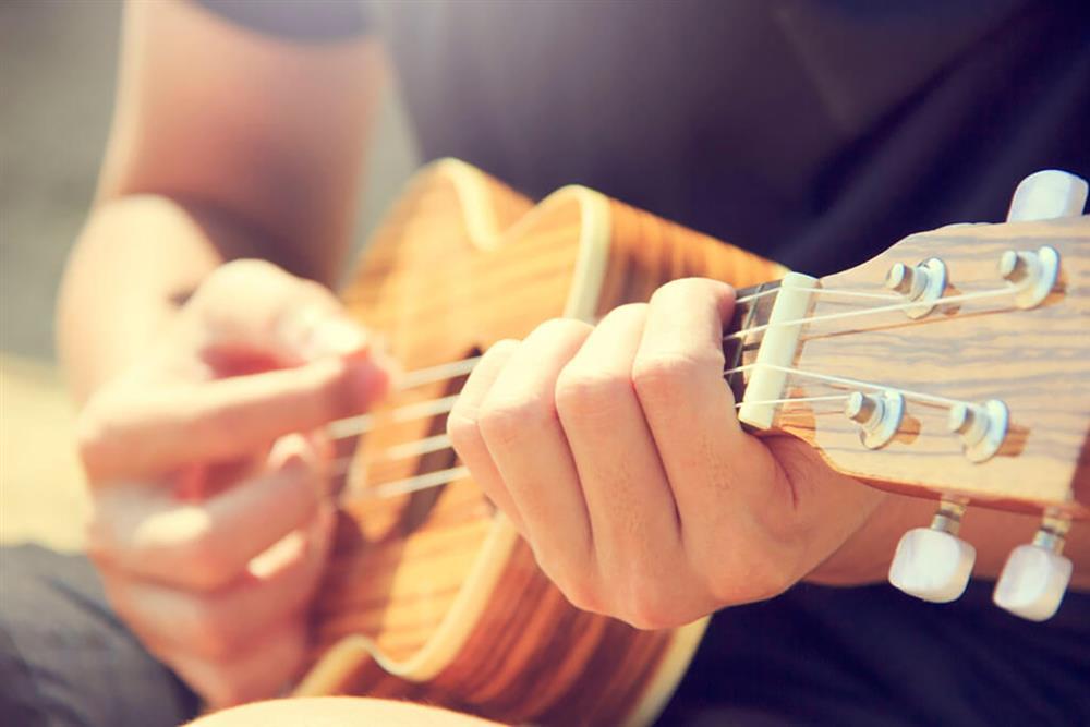 گیتار - موسیقی - سرگرمی - علایق جدید -  اهمیت دادن به خود - زمان من - به خودت اهمیت بده