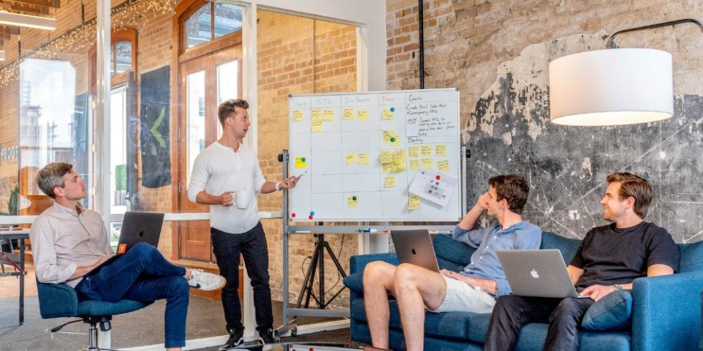 همکاری-تمرکز به اهداف-کار تیمی مرتب