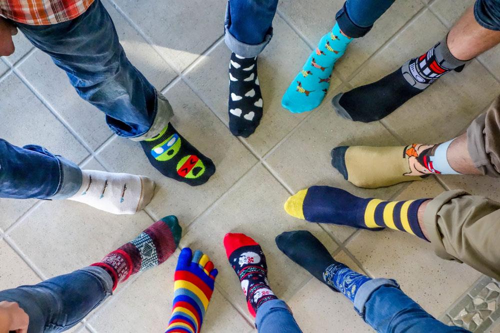 جوراب - جوراب های عجیب - افراد با هوش