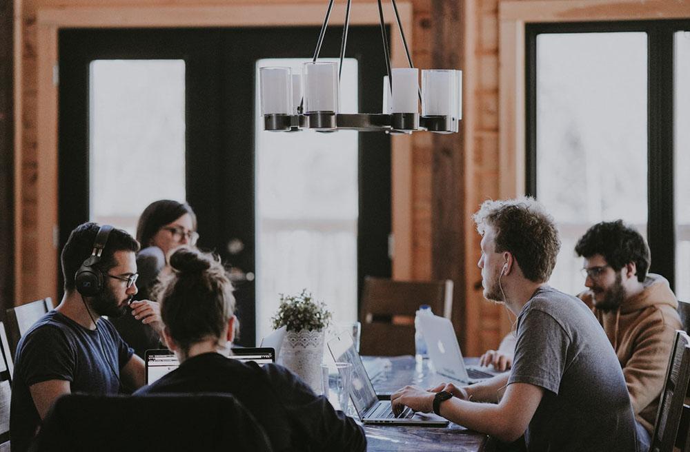 استارت آپ - کار آفرینی - مدیران تازه کار - سرمایه گذاری - سرمایه اولیه استارتاپ