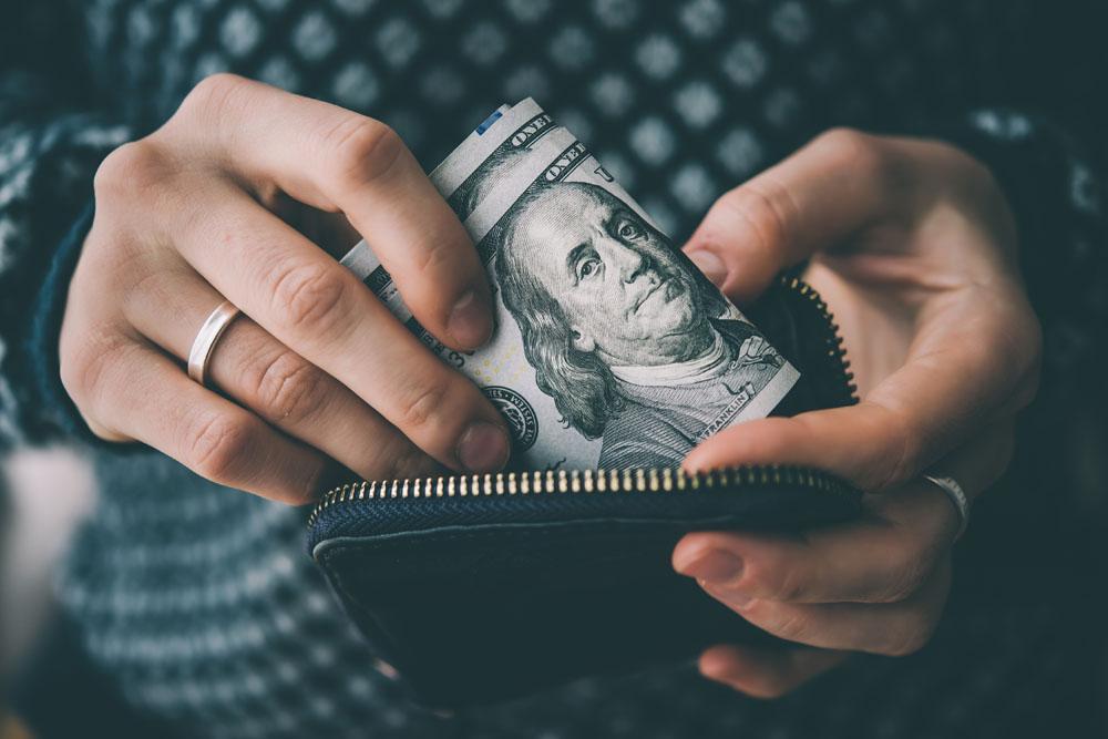 پول - محدودیتهای پول - توصیه افرادموفق - درس موفقیت - مسیرموفقیت