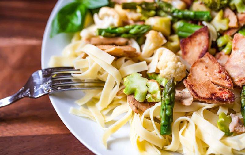 غذا خوردن - آداب غذا خوردن - رژیم لاغری - لاغری - کاهش وزن