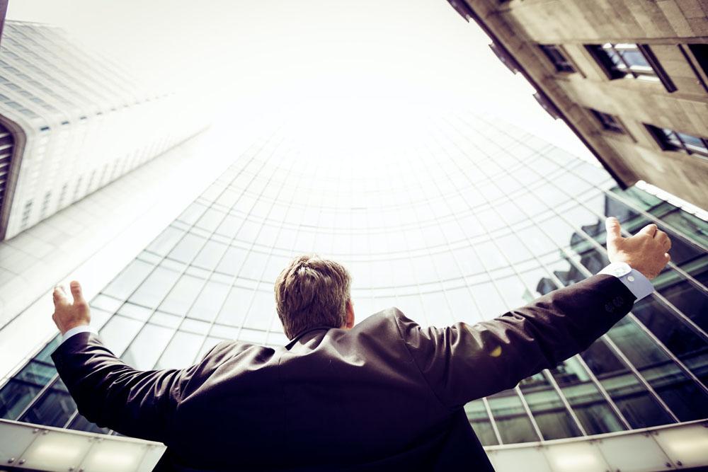 ویژگی افراد موفق - خصوصیت افرادموفق - نشانه آدم های موفق
