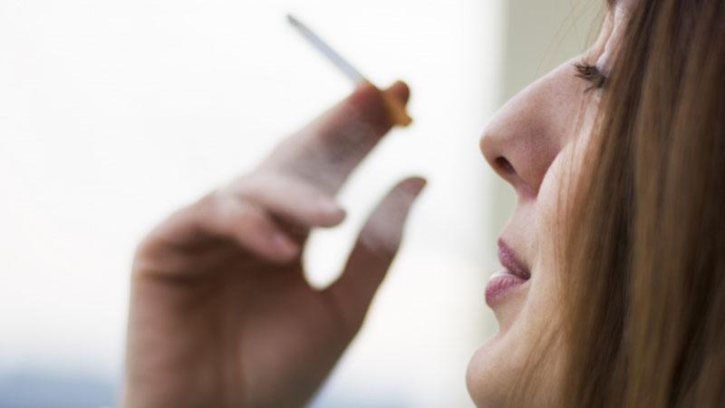 سیگار - مضرات سیگار - پیری - مراقبت پوستی - عادات غلط - عادات اشتباه - سلامتی