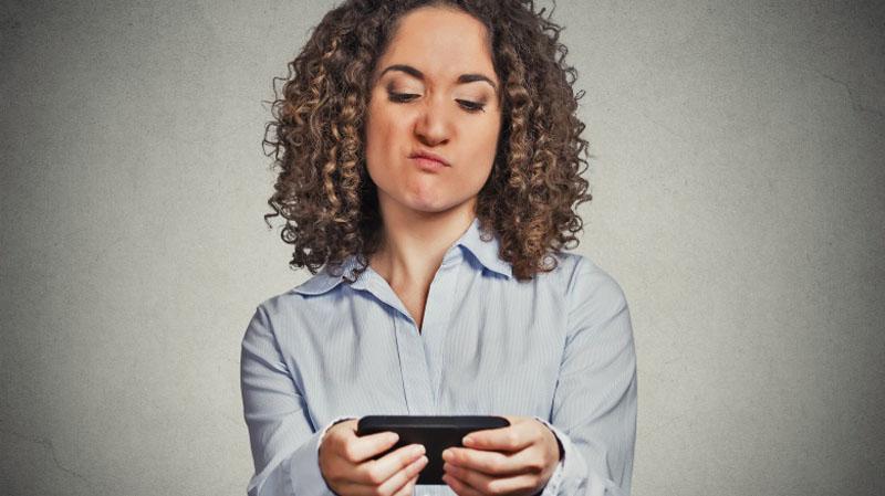 تلفن همراه - موبایل - پیری - مراقبت پوستی - عادات غلط - عادات اشتباه - سلامتی