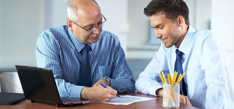 کارمند عجول - رابطه مدیر و کارمند - اداره کردن کارمندان