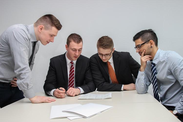 کسب و کار -متخصص -کارشناس