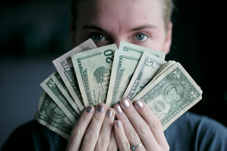 مزد -درامد -شغل-حرفه-هزینه ها