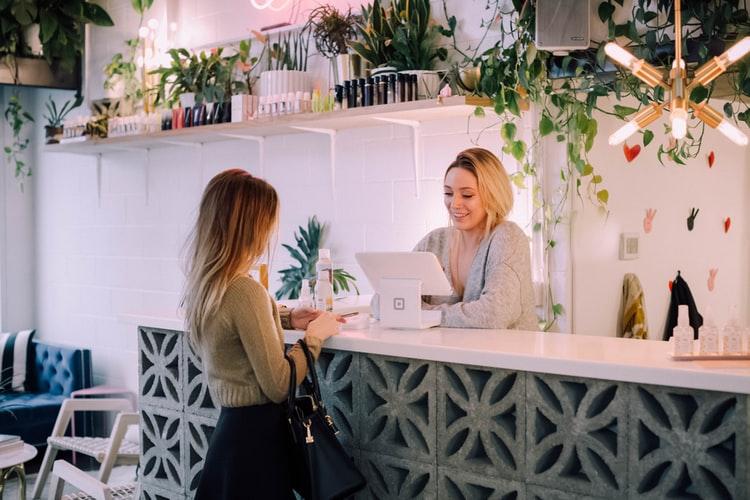 کسب و کار -مشتریا -گفت و گو