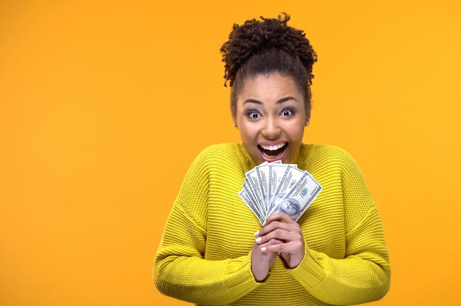 هیجان زده - پول - افراد موفق - درس موفقیت - مسیر موفقیت